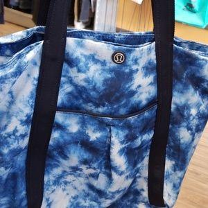 SALE: Lululemon Tie Dye Tote Bag